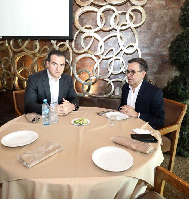 Adrián e Ildefonso dialogan sobre la gubernatura