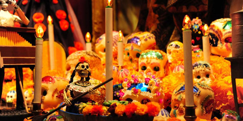 Comidas para Celebrar el Día de Muertos - Altar de Muertos
