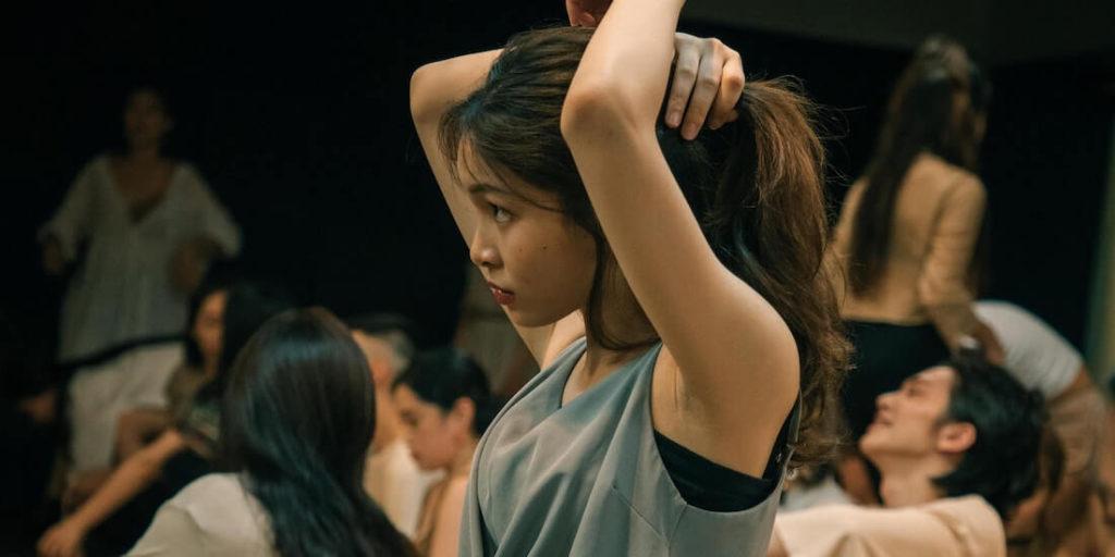 En Tijuana existe un polémico Table Dance llamado Hong Kong donde se traslada a sus clientes en limusinas desde la frontera con Estados Unidos.