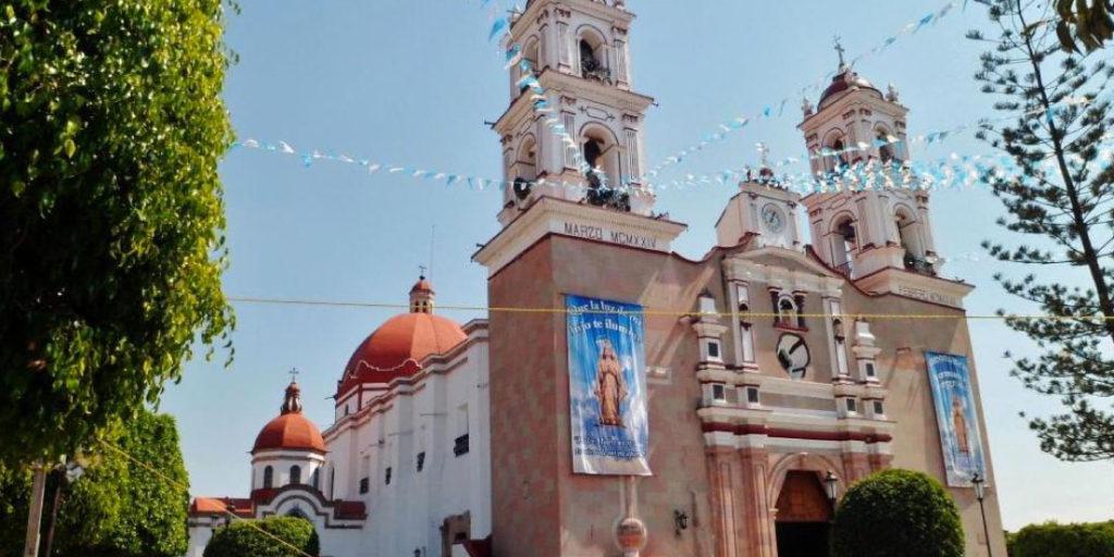 Tonatico está ubicado en el Estado de México y posiblemente se convierta en uno de tus favoritos. Puedes disfrutar del Balneario Municipal de Tonatico o conocer la arquitectura de la Iglesia de Nuestra Señora de Tonatico.