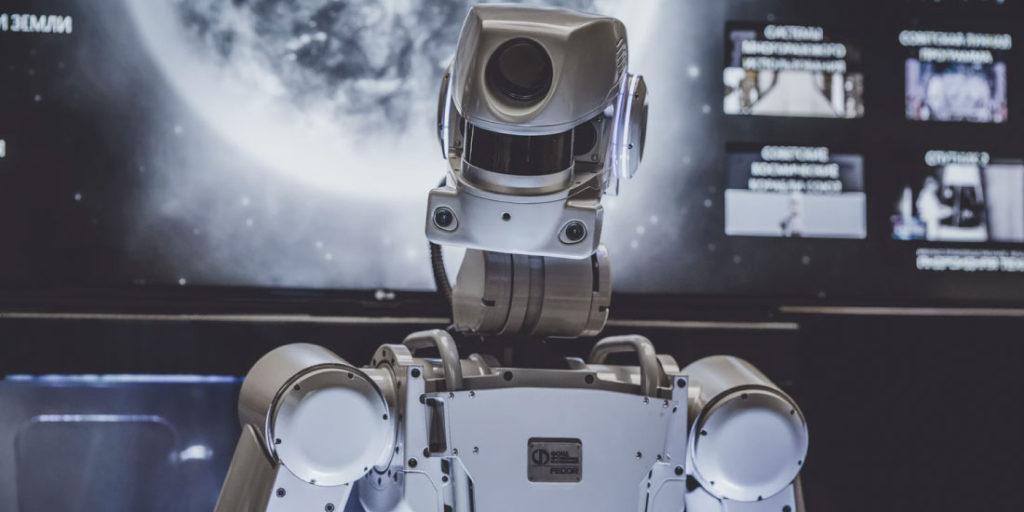 Dentro de las profecías de Nostradamus pendiente de cumplirse, está que supuestamente, el mundo será conquistado por robots.